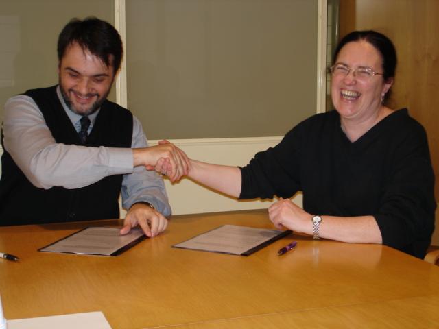 Signatura del preacord de la concessió de Ripoll 25! - dimarts 4 d'abril