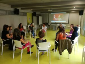 27/4::. Exploradores en Sant Jordi: punt d'intercanvi de lectures en clau feminista.
